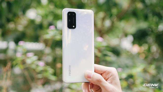 Đánh giá Realme X7 Pro: Smartphone tốt nhất phân khúc giá 8 triệu, nhưng...?