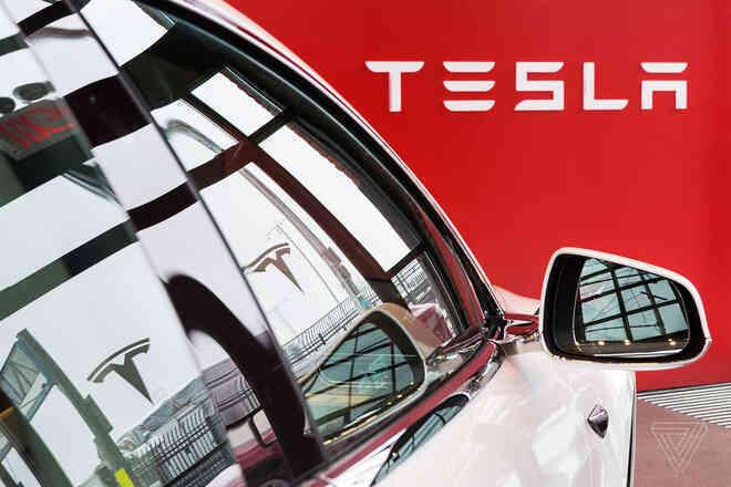 Tesla bất ngờ tăng giá bán cả 4 mẫu xe điện