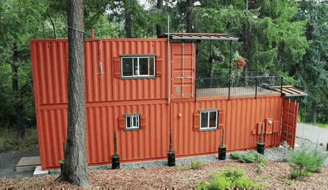 Không mua nhà ở thành phố, một cặp vợ chồng dọn lên núi, biến một chiếc container dài 6 mét thành biệt thự 2 tầng, sống một cuộc sống bình dị - Ảnh 3.