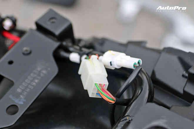 Lột trần VinFast Feliz trong 10 phút, kỹ sư điện đánh giá: Kết cấu đơn giản, dễ sửa, dễ độ nhưng vẫn còn điểm yếu - Ảnh 16.