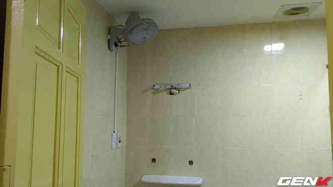 Nhà vệ sinh nóng quá, một bạn nữ chia sẻ cách tự lắp thêm quạt cho mát mà ai cũng làm được - Ảnh 16.