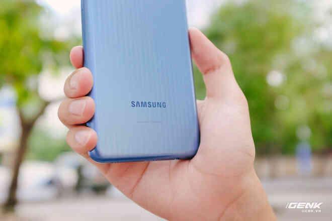 Đánh giá Samsung Galaxy M12: Pin trâu, màn hình 90Hz trong tầm giá rẻ - Ảnh 2.