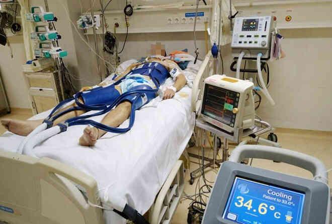 Bị đông cứng sau 6 tiếng bất tỉnh ở ngoài trời âm 30 độ C, cô gái này vẫn hồi sinh một cách kỳ diệu - Ảnh 2.