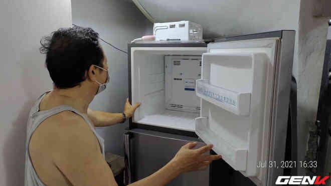 [Video] Ở nhà tránh dịch không gọi được thợ mà tủ lạnh đột nhiên không lạnh. Chú hàng xóm bật mí một cách sửa tạm thời cực hiệu quả, dễ dàng vượt qua ngày giãn cách - Ảnh 8.