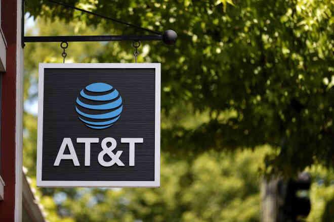 Mở khóa trái phép gần 2 triệu điện thoại AT&T, người đàn ông chịu án tù 12 năm
