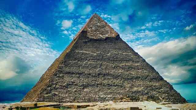 Đại kim tự tháp Giza còn mang nhiều bí mật chưa có lời giải